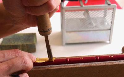 Die alte Kunst des Handvergoldens