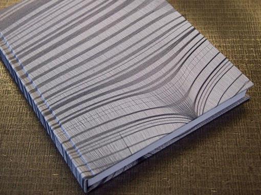 Bucheinband aus einem Damenstrumpf - Buchbinderei Papierhandwerk