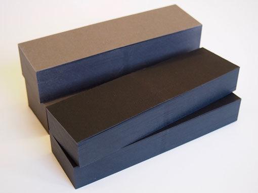 Visitenkartenfaecher in schwarz oder grau